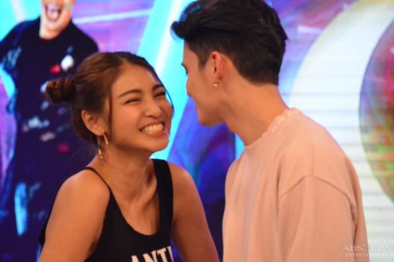CAUGHT ON CAM: James and Nadine kiss on GGV