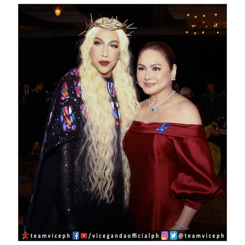 Gandang-Gabi-Vice-Vice-Ganda-Unkabogable-Outfits-at-ABS-CBN-Ball-19