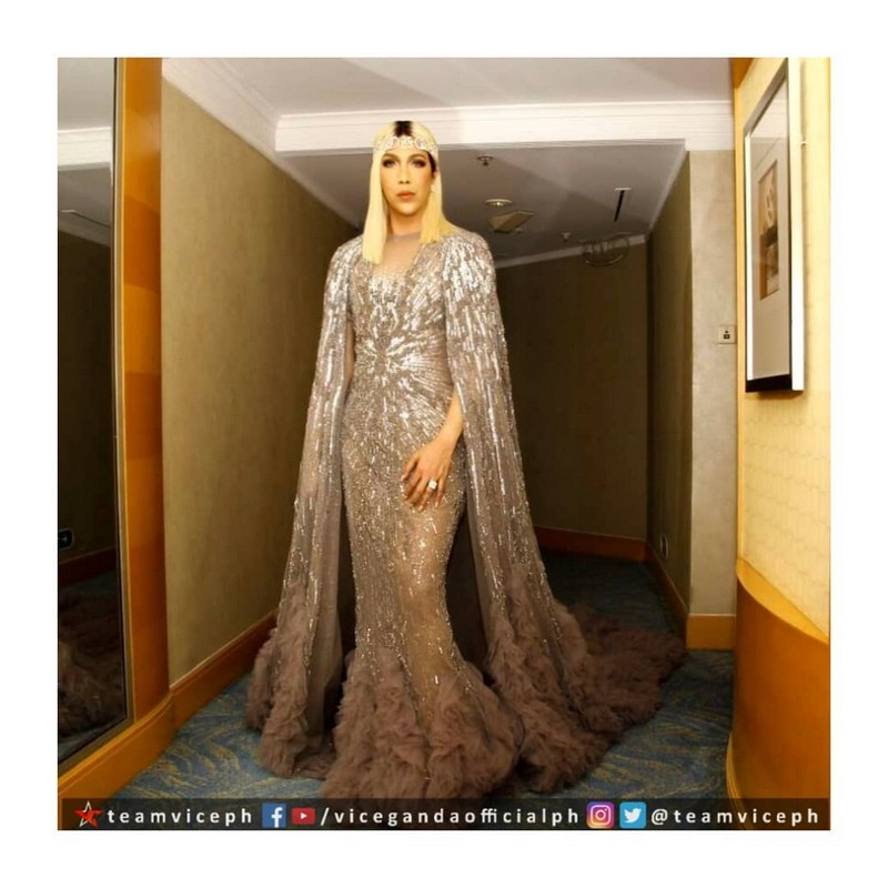 Gandang-Gabi-Vice-Vice-Ganda-Unkabogable-Outfits-at-ABS-CBN-Ball-20