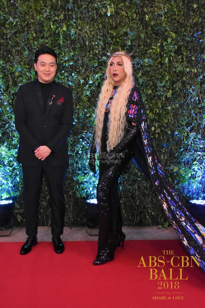 Gandang-Gabi-Vice-Vice-Ganda-Unkabogable-Outfits-at-ABS-CBN-Ball-27