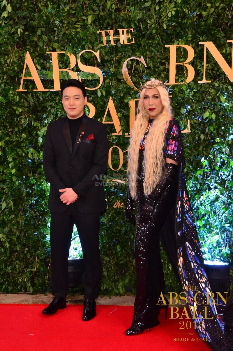 Gandang-Gabi-Vice-Vice-Ganda-Unkabogable-Outfits-at-ABS-CBN-Ball-4